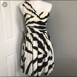 Express one sleeve black and white dress